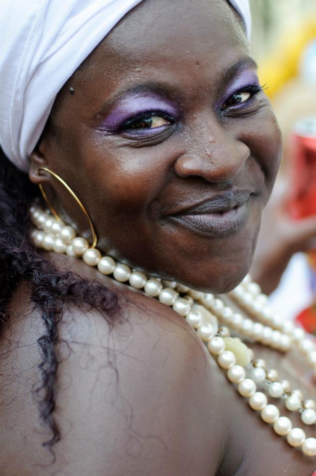 Mujer-brasileña