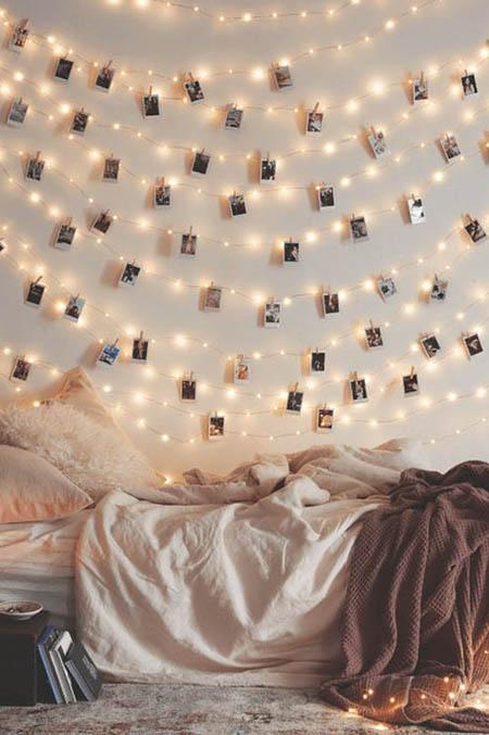 Decora tu casa con fotos colgadas con pinzas decoraci n low cost Paredes con marcos de fotos